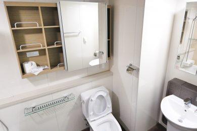 חדרי שירותים